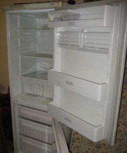 Ремонт холодильника Стинол 101